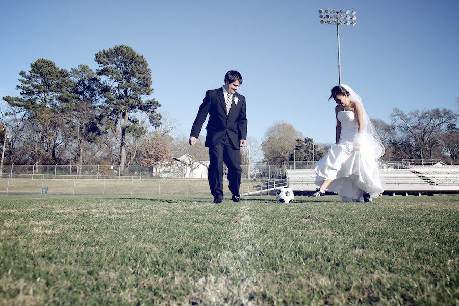 Свадьба на футбольном поле