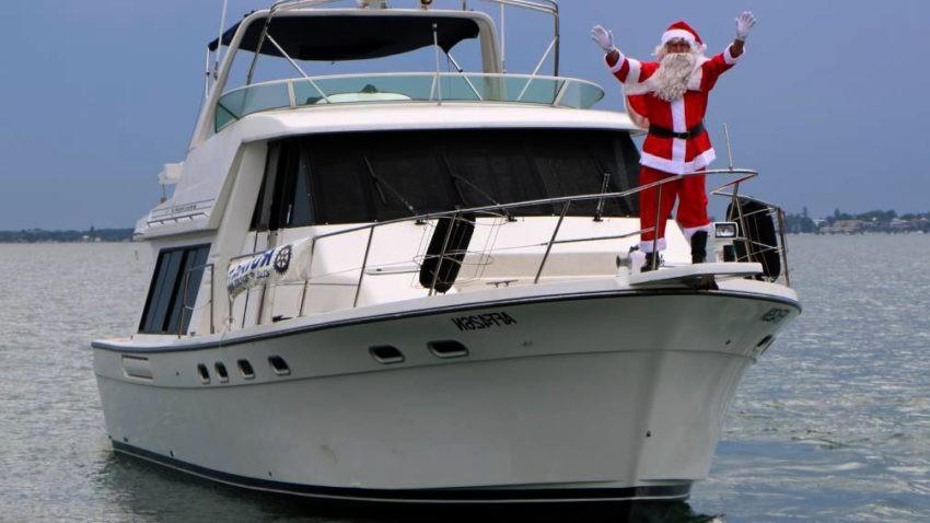 Дед мороз на яхте