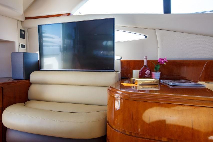 яхта телевизор Сочи