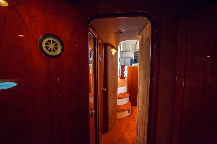 каюта яхты Майами