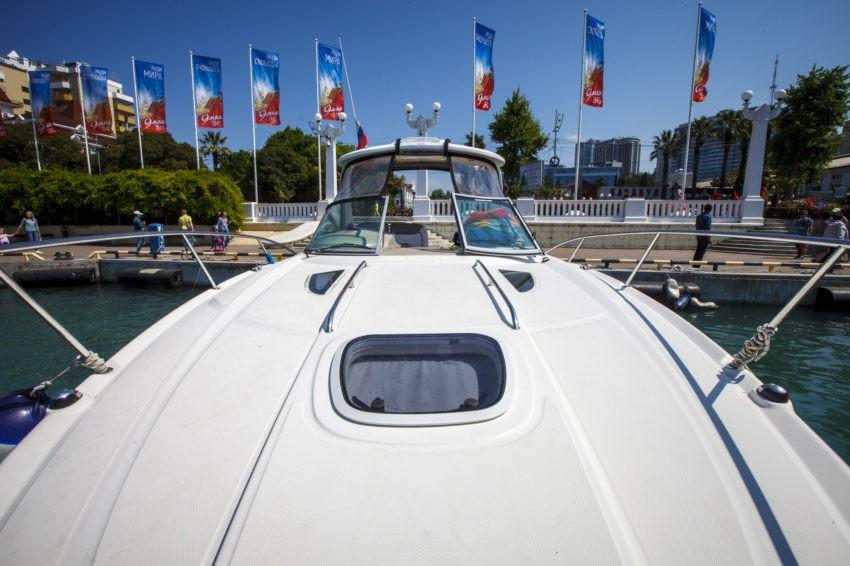 Комфортабельный катер SeaRay в Сочи