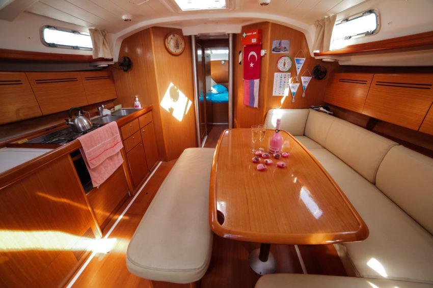 Каюта парусной яхты Центурион