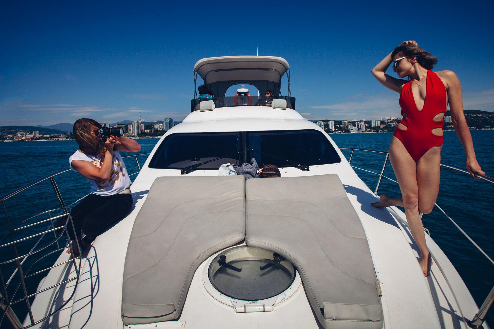 Девушки на яхте Майами
